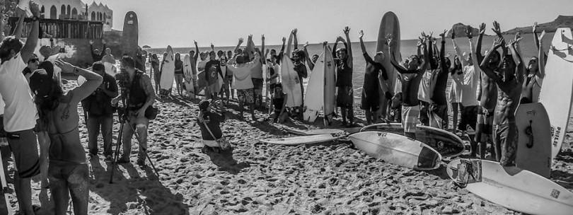 [SURF]アダムとディーンのメモリアルパドルアウトがメキシコ全土および世界中で開催され哀悼のメッセージ