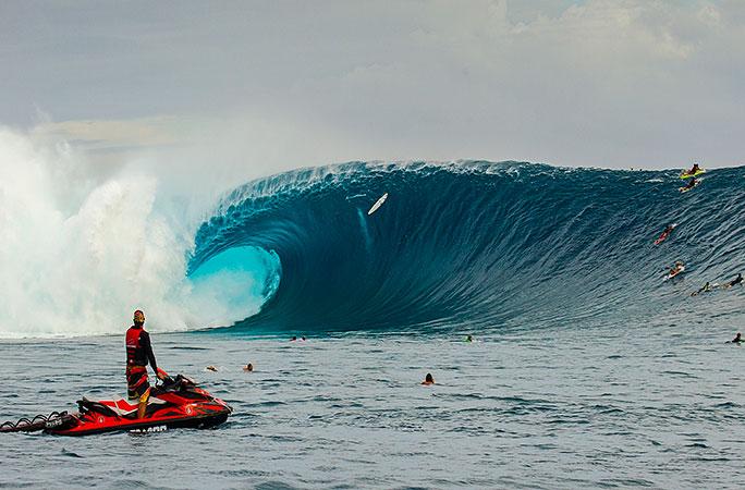 Cloud Break @ Fiji のパーフェクトウェーブと危険を解説 一度は行ってみたいドリームウェーブ